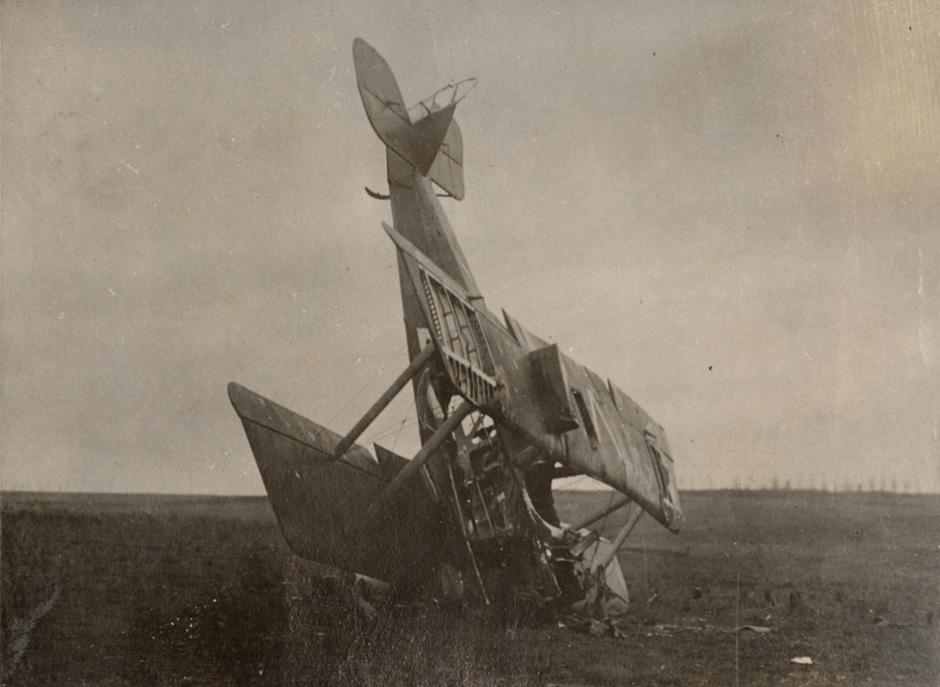 Strmoglavljeno nemško bojno letalo, 1916.