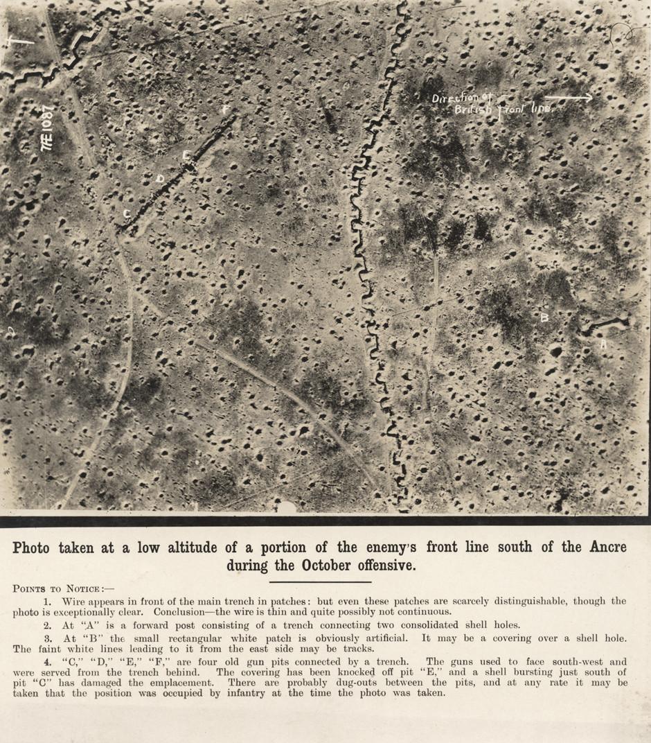 Letalski posnetek zahodne fronte in sistema jarkov, ki ga je naredilo britansko vohunsko letalo.