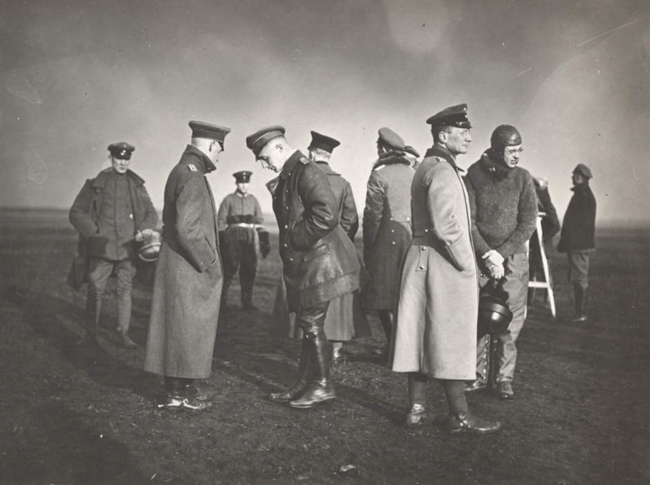 Piloti med treningom v Hannovru, 1918.