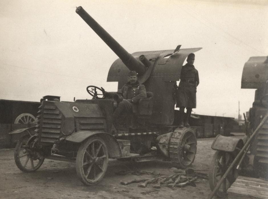 Francoski tovornjak s proti-letalskim topom, 1918.