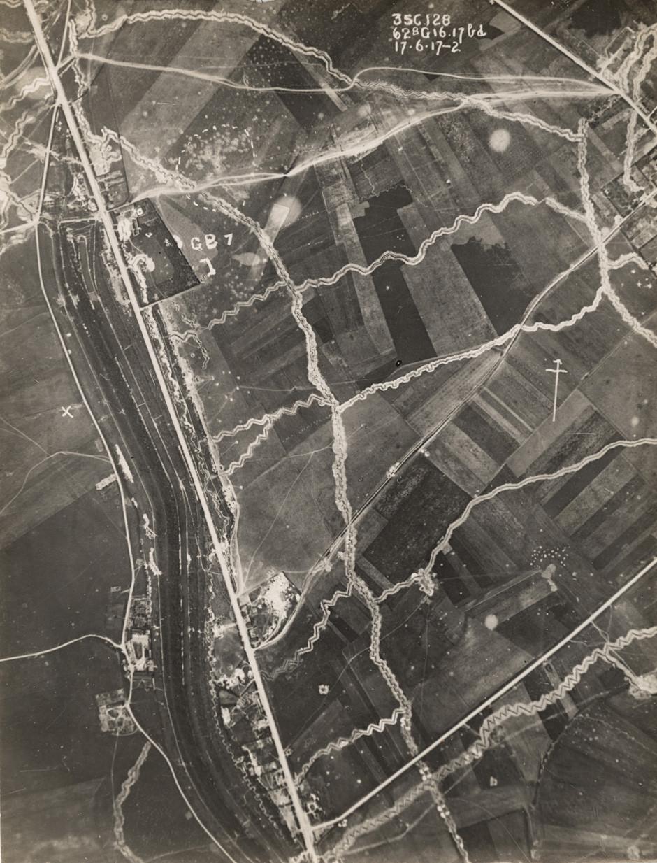 Zračna fotografija rovov na zahodni fronti, junij 1917